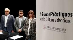 De izquierda a derecha Albert Girona, Vicent Marzà y Carmen Amoraga, durante la presentación del Código de Buenas Prácticas en el Teatro Principal de Valencia.