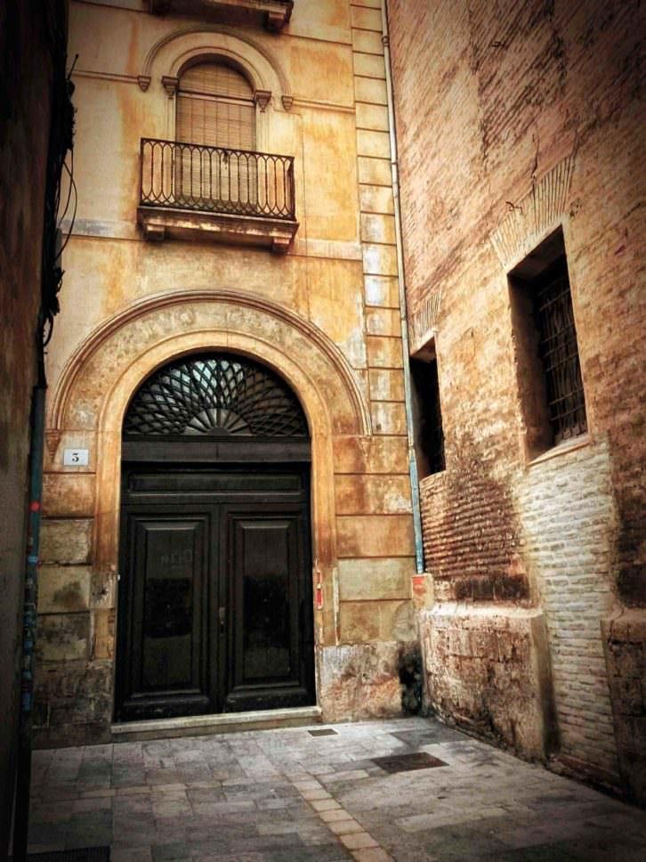 Casa del verdugo, del libro Valencia insólita, de Roberto Tortosa. Imagen cortesía del autor.