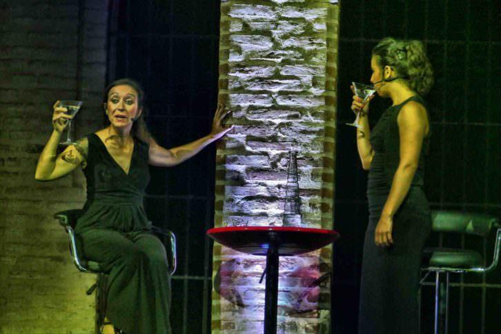 Escena de Los monólogos de la vagina, de Producciones Imperdibles. Imagen cortesía de Sala Russafa.