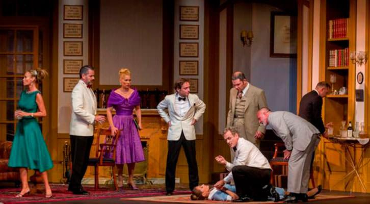 Escena de 10 Negritos. Imagen cortesía de Teatro Olympia.