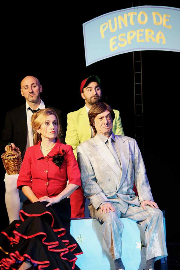 Escena de Buscando al Mago de Oz (Oh, EurOZpa!). Imagen cortesía de Sala Russafa.