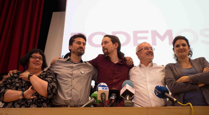 De izquierda a derecha, Áurea Ortiz, Jordi Peris, Pablo Iglesias, Antonio Montiel y Fabiola Meco. Fotografía: Gala Font de Mora.