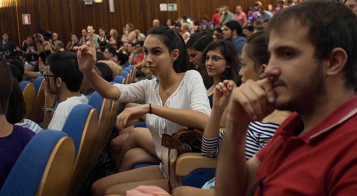 Mitin de Podemos en la Facultad de Geografía de la Universitat de València en mayo de 2015.