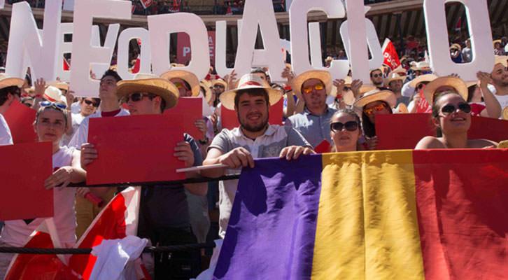 Mitin del PSOE en la Plaza de Toros de Valencia en mayo de 2015. Fotografia: Gala Font de Mora.