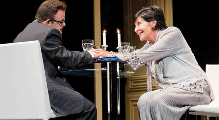 Concha Velasco y Hugo Aritmendiz en 'Olivia y Eugenio'. Imagen cortesía de Teatro Olympia.