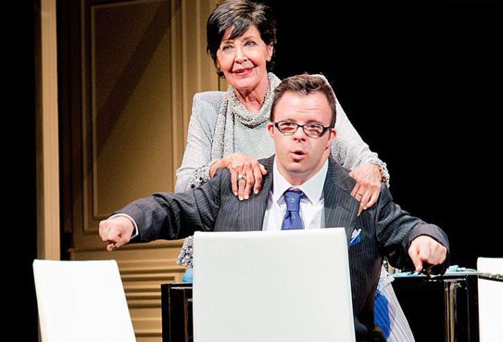 Escena de 'Olivia y Eugenio'. Fotografía de Javier Naval. Teatro Olympia de Valencia.