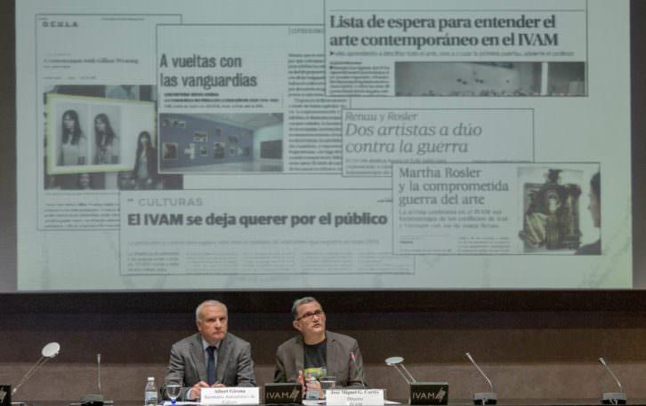 Albert Girona (izad) y Jose Miguel Cortés, durante la presentación del balance anual de actividades del museo valenciano. Imagen cortesía del IVAM.