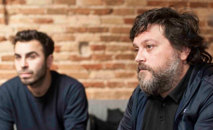 Álex Marco (izda) y Moisés Mañas, durante el Desayuno Makma en Lotelito. Fotografía: Fernando Ruiz.