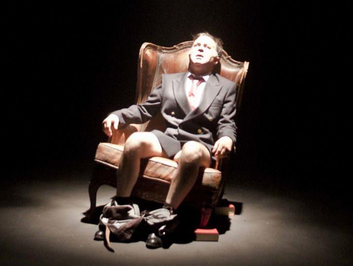 El rey, de Alberto San Juan. Imagen cortesía de Teatre el Musical.