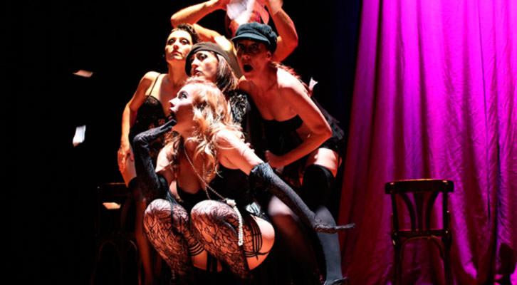 Escena de Gypsi Cabaret.