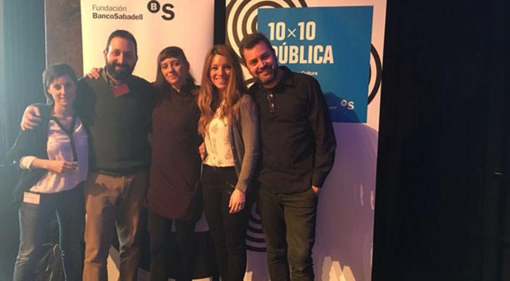 Los responsables de Creador.Es y Russafa Escénica, tras la concesión de premios 10x10 Pública.