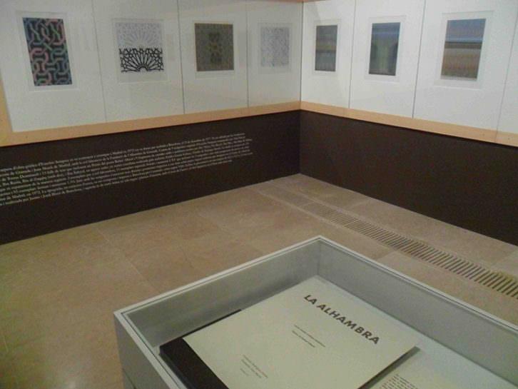 Vista de algunas de las serigrafías de Eusebio Sempere en el Centro del Carmen.