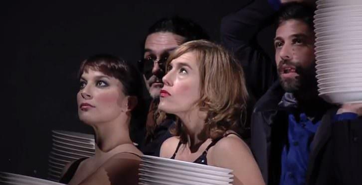 Escena de Acosos y derribos D.L.. Teatre Rialto.
