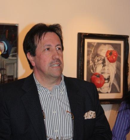 Carlos Saura en su exposición 'Crónicas del No-Tiempo'. Fotografía: Begoña Siles.