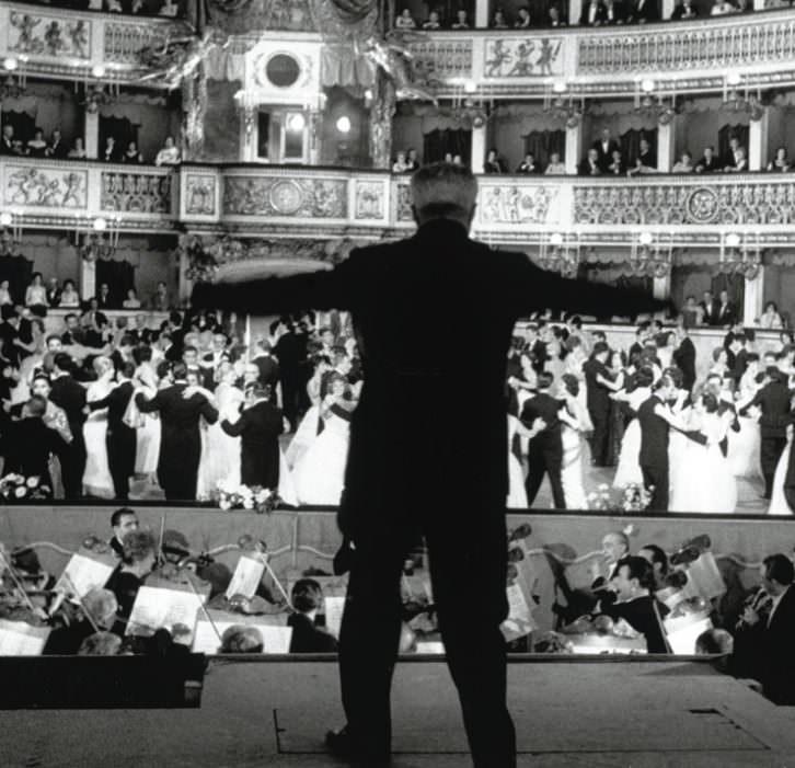 Fotografía de Herbert List que anuncia el Concierto Bel Canto en el Palau de Les Arts.