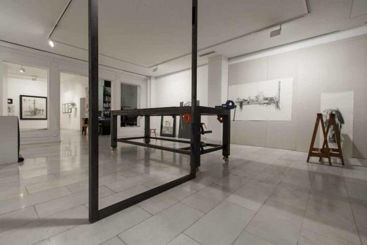 Vista general de la exposición. Imagen cortesía Galería Punto.