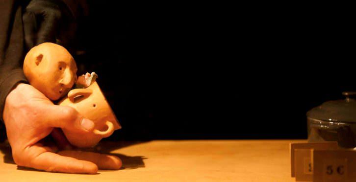 Escena de A Mano. Imagen cortesía de Teatre El Musical.