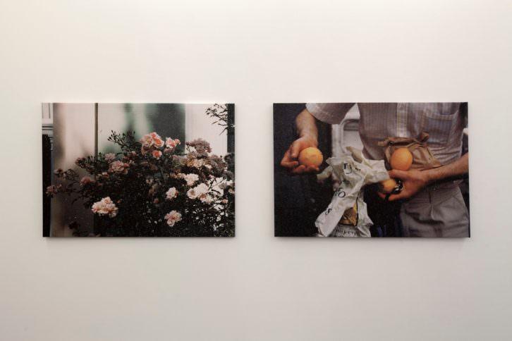 Dos de las obras expuestas en Aquí. Fotografía: Nacho López Ortiz.