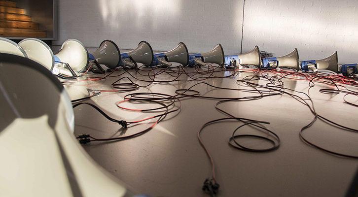 El grito, acto de comunicación nº 2, de Pablo Bellot. Imagen cortesía de Mustang Art Gallery