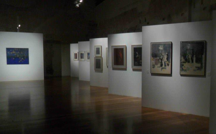 Vista general de la exposición de Eva Mus en el Centro del Carmen.