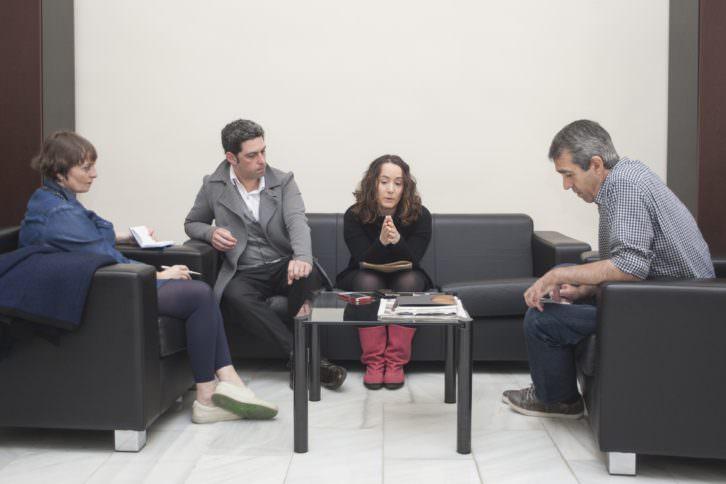 De izquierda a derecha, Merche Medina, Jose Ramón Alarcón, Gloria Tello y Salva Torres, durante un instante de la entrevista. Fotografía: Fernando Ruiz.