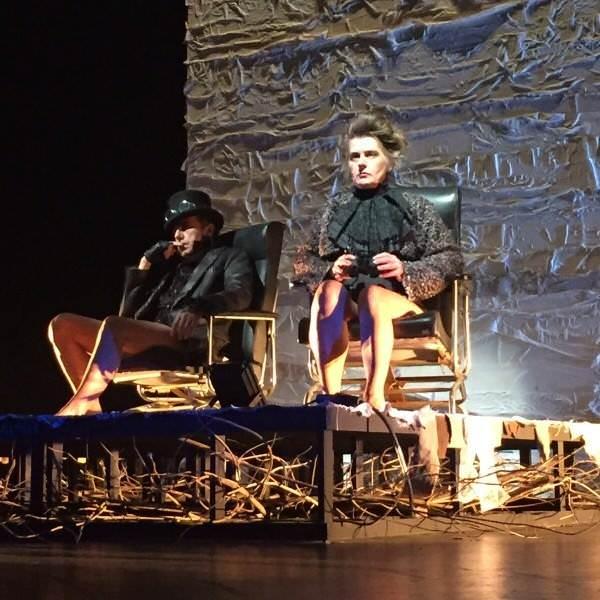 Lola Salvador, en escena. Imagen cortesía de la autora.