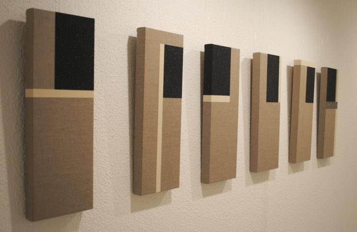 Algunas piezas de la exposición. Fotografía: María Ramis.