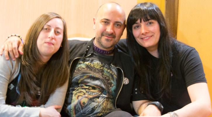 Jack Mircala junto a Vanessa Vaquer e Isabel Hernández.