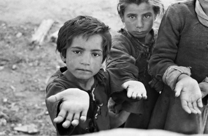 Niños pidiendo limosna, de Carlos Saura.