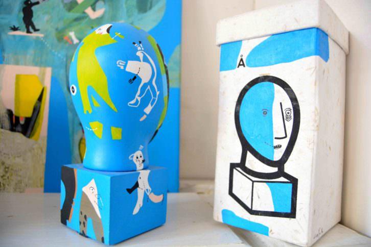 Detalle de varias piezas de Aldo Alcota expuestas en L'envers Du Decor, para Russafart. Fotografía: Jose Ramón Alarcón.