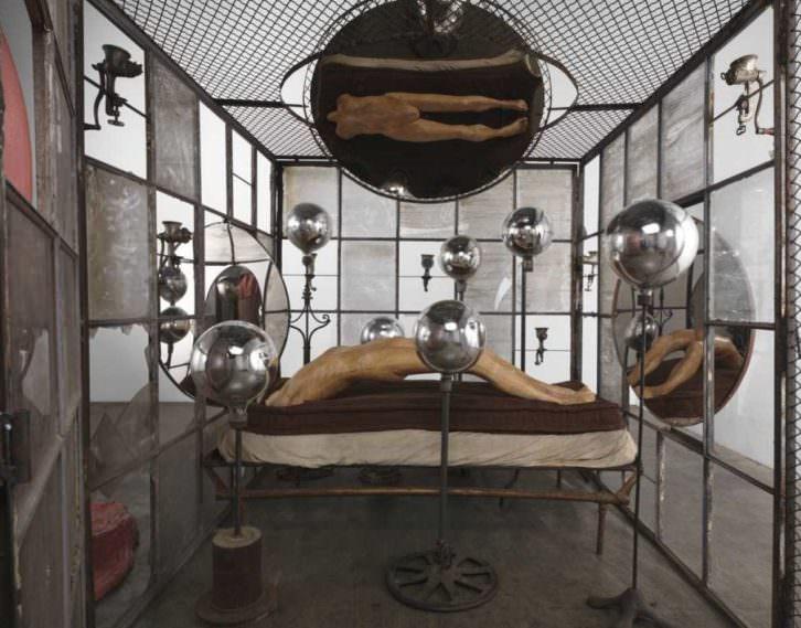 Celda II, de Louise Bourgeois. Museo Guggenheim Bilbao.