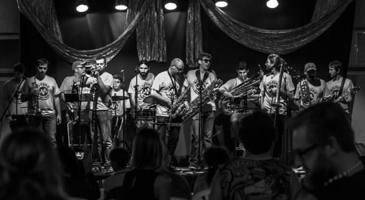 40 Funk Brass Band. Imagen cortesía de Veles e Vents.