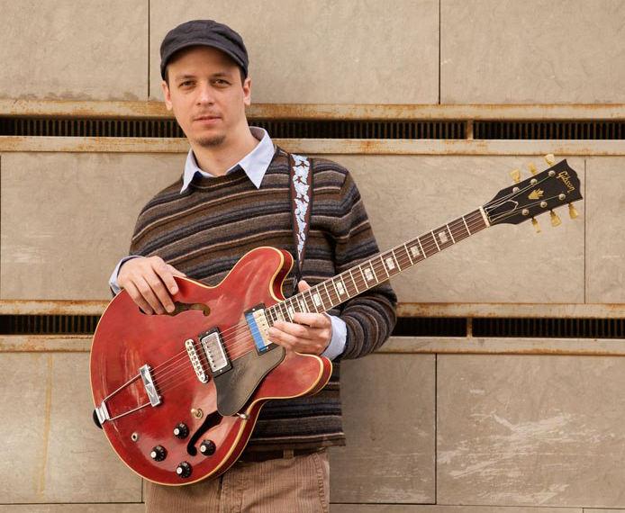 El guitarrista Kurt Rosenwinkel. Imagen cortesía de Jimmy Glass.