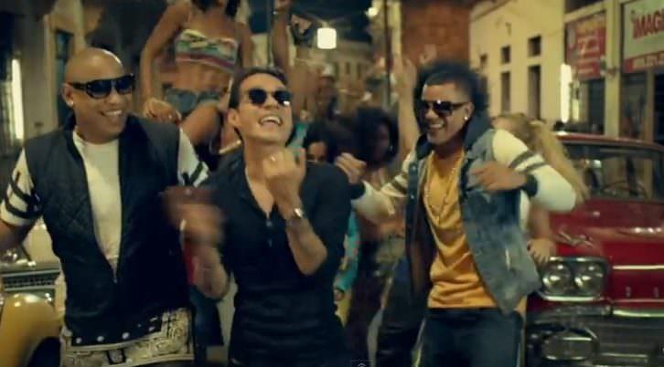 Imagen del videoclip de 'La Gozadera', de Gente de Zona.