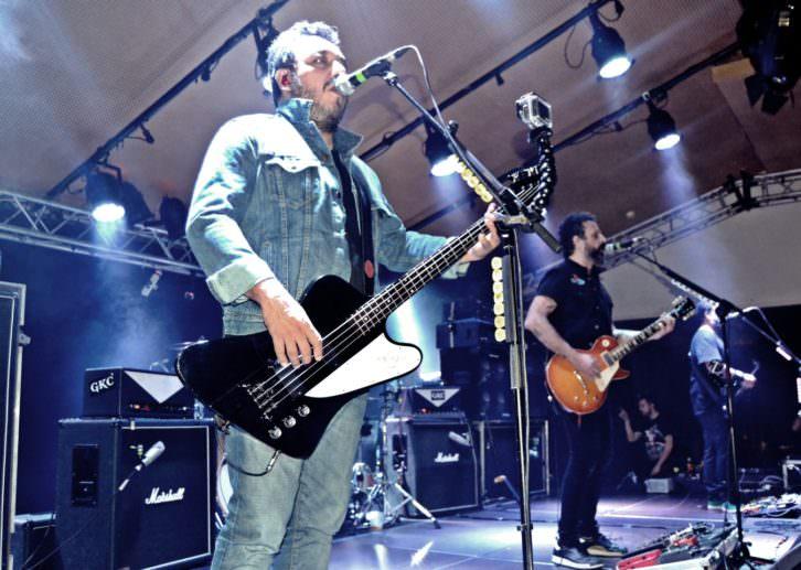 Molotov, en un momento del concierto en Espai Rambleta. Fotografía: Javier Caro.