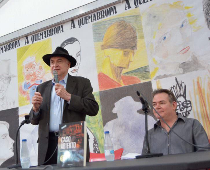 William Gordon junto a su hijastro, el también escritor Jason Kersten, durante un instante de la presentación de 'Caso abierto' en la XXIX Semana Negra de Gijón. Fotografía: Jose Ramón Alarcón.