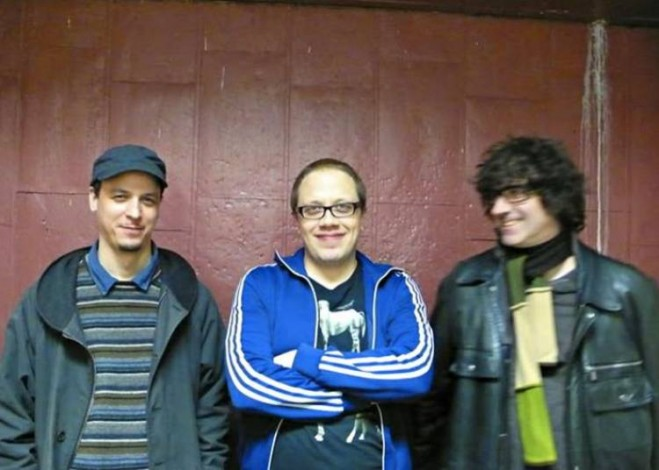 Kurt Rosenwinkel (izda) junto al trío de Bandit 65. Imagen cortesía de Jimmy Glass.