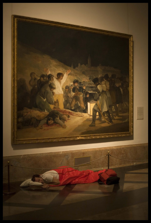 Dónde dormir I (Goya), de Eugenio Ampudia, en 'Ni cautivos ni desarmados'. Centre Cultural La Nau.