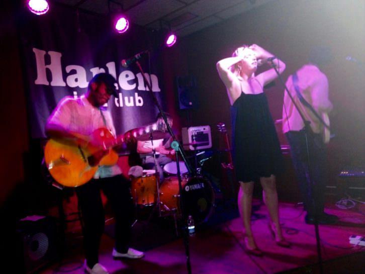 Jazz y hip hop se fusionan a placer en las voces de Phoebe, Nic y Ned. Fotografía: Neus Flores.