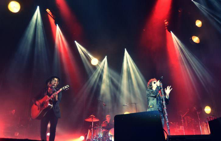 Bunbury en el concierto de la Plaza de Toros de Valencia. Fotografía: Lorena Riestra.