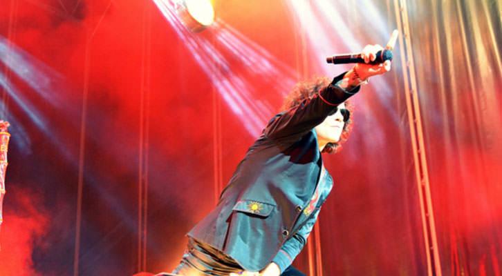 Bunbury en un momento de su concierto en Valencia.