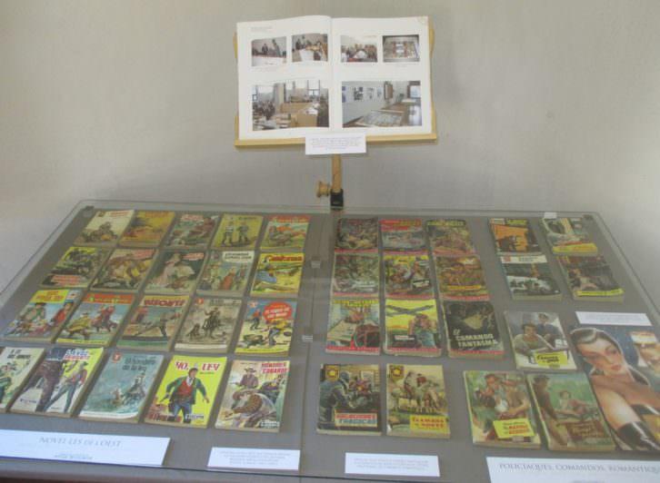 Imagen de una de las vitrinas de la exposición. Ayuntamiento de Llíria.