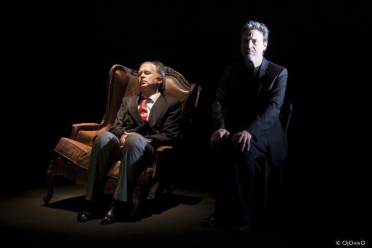 Luis Bermejo y Alberto San Juan, durante un instante de 'El Rey'. Fotografía cortesía de la compañía.