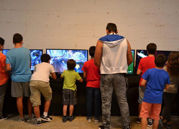 Sala de videojuegos de Cificon. Fotografía: Malva.