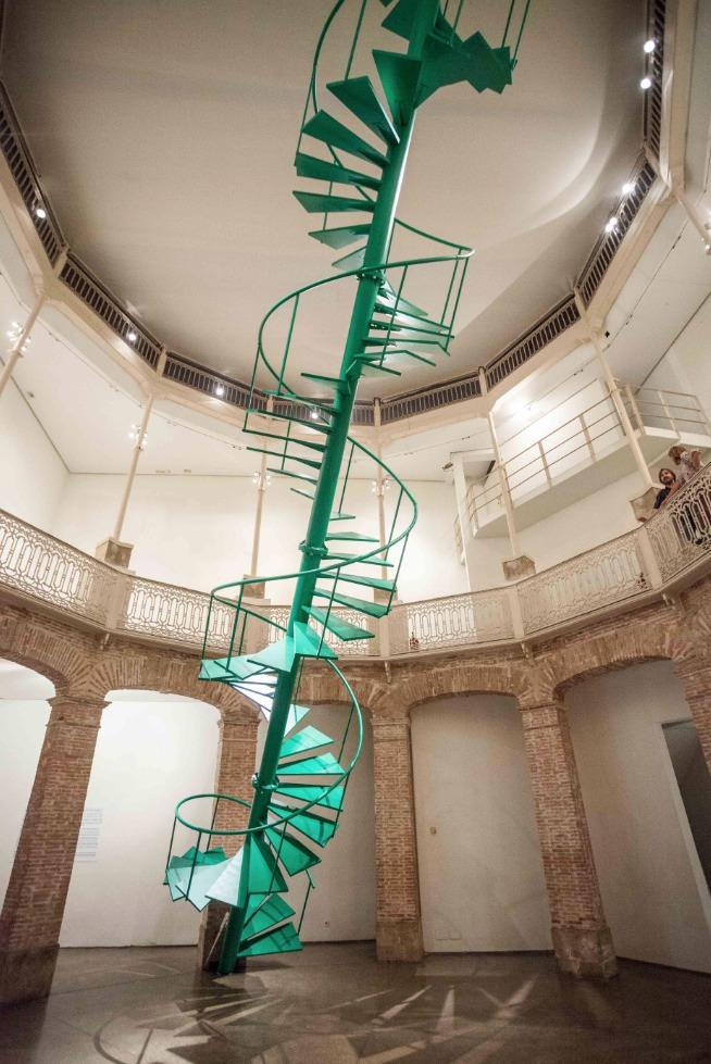 Vista general de 'El rayo verde', de Fermín Jiménez Landa en La Gallera. Imagen cortesía del Consorcio de Museos.