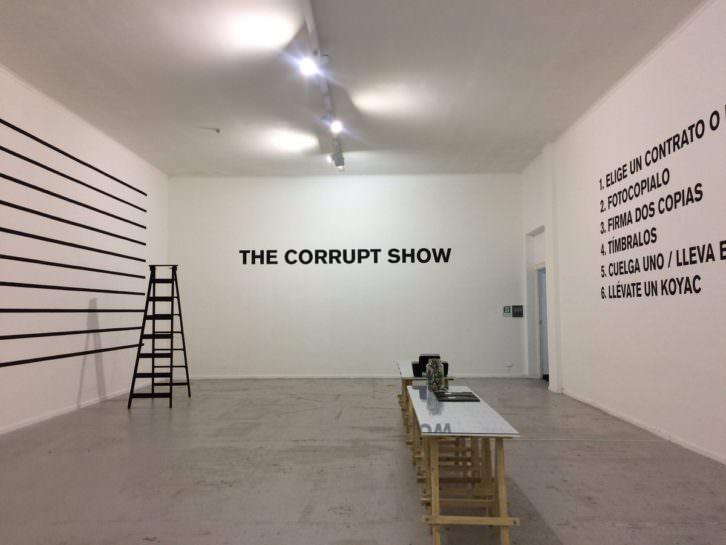 The corrupt show, de Superflex. Imagen cortesía de Las Naves.