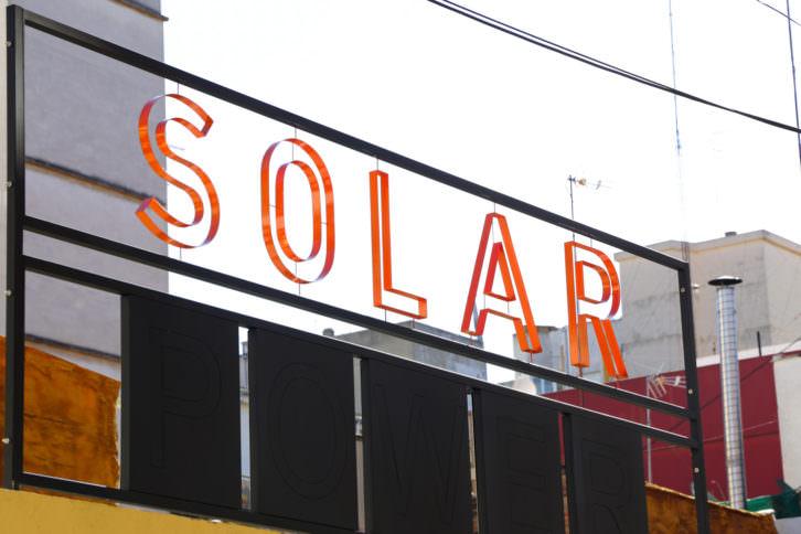Solar Power, instalación de Anja Krakowski