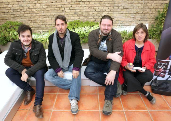 De izquierda a derecha, Alexander Lemus, Javier Valenzuela, Sergio Mars y Begoña Siles, al término del encuentro. Fotografía: MAO.
