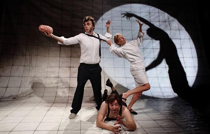 Rèquiem, de La Dependent. Teatre Rialto.