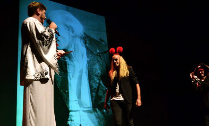 Un momento del espectáculo 'The Rocky Horror Picture Show' en Espai Rambleta. Fotografía: Malva.